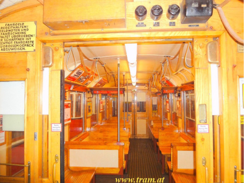 Triebwagen Type M Nr. 4101 Innenraum