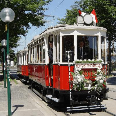 Hochzeitssonderzug am Franz-Josefs-Kai